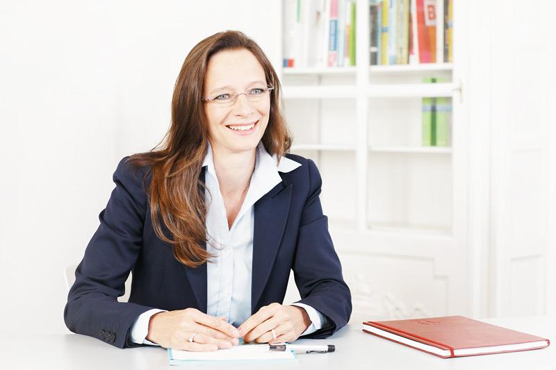 Sandra Stohler at table